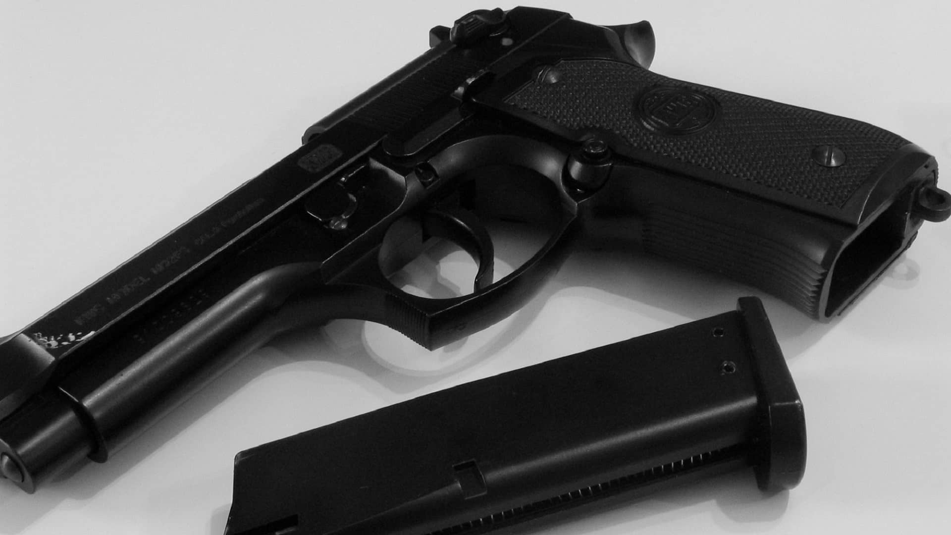 Bill requiring state permit to buy handgun clears committee